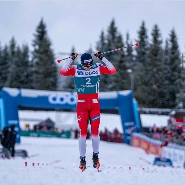 Сразу четыре норвежца решили прокомментировать поражение Большунова в финале СкиТура. Они рассказали как заменили лыжи