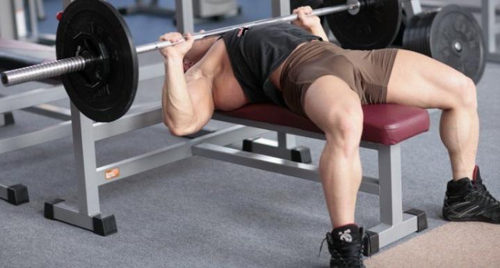 Как правильно делать жим штанги лёжа? Чтобы увеличить объёмы грудных мышц
