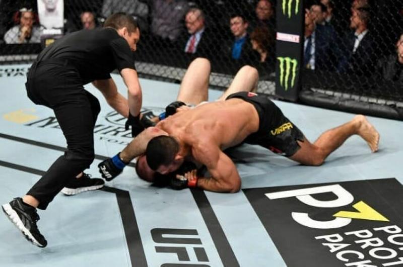 """Сапарбек Сафаров был """"задушен"""" Родольфо Виейрой на UFC 248"""
