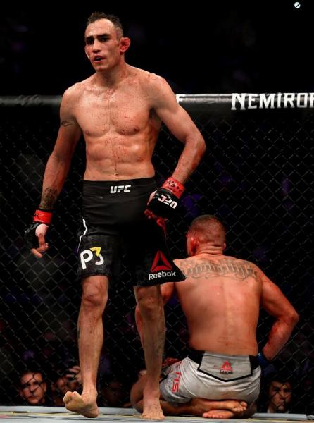 """""""Воля к победе"""". 5 случаев в ММА, когда боец побывал в тяжелом нокдауне, но смог подняться и победить (+Gif)"""