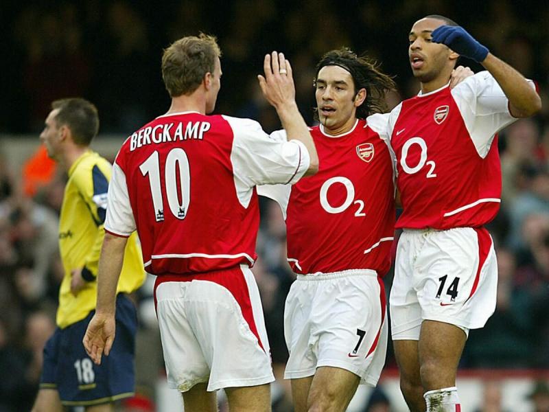 Непобедимый Арсенал, выигравший АПЛ без поражений в 2004 году: где игроки того состава сейчас