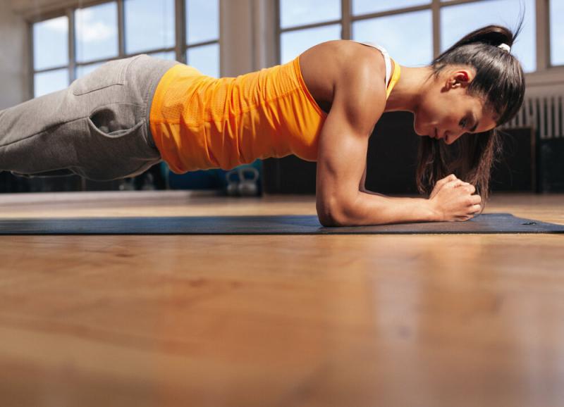 Правильная планка: 5 способов усилить эффективность упражнения