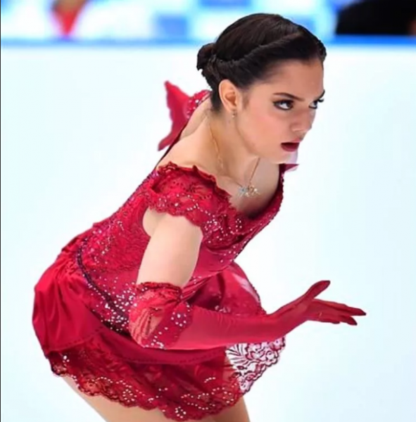 Скомканный олимпийский сезон Медведевой. Травма? Или было что-то еще?