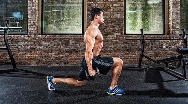 5 упражнений для прокачки всего тела на соседней спортивной площадке