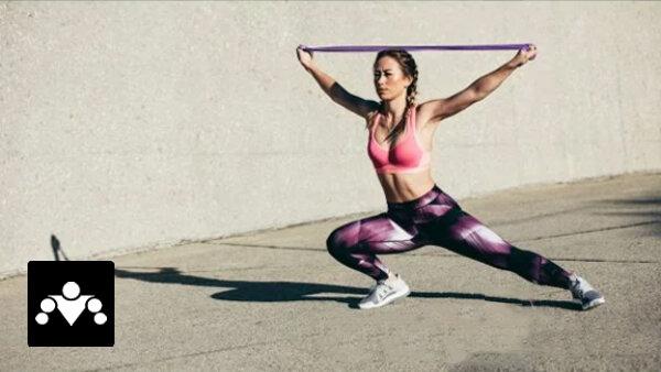 5 упражнений с резиновыми петлями для проработки всего тела