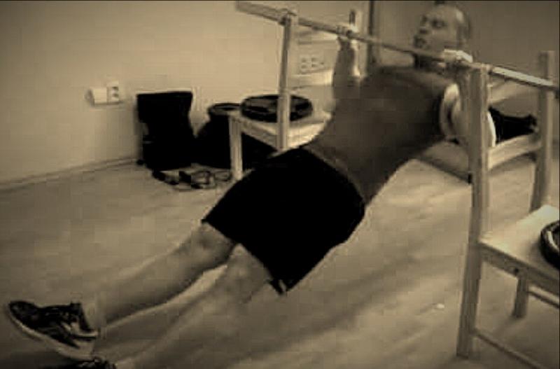 Как прокачать все мышцы спины без спортивного инвентаря? Если вынуждены тренироваться дома