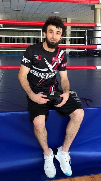 Как Забит Магомедшарипов нокаутировал топового бойца UFC во время спарринга