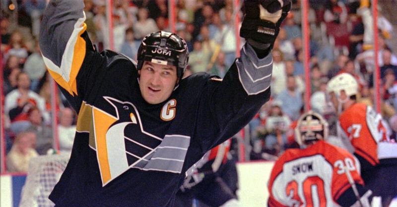 Все хоккеисты, чьи номера вывел из обращения Питтсбург Пингвинз
