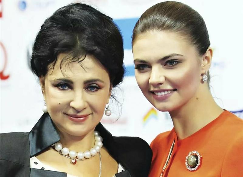 Почему у Ирины Винер и Алишера Усманова нет общих детей и кого они воспитывают вместо этого?