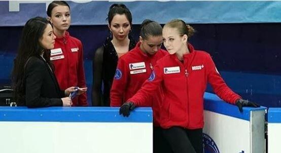 «А будущее – это Олимпиада»: Жулин выделил трех фигуристок, за которыми будущее и заодно пожалел Медведеву