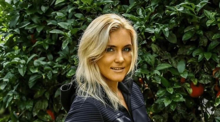 Яна Куницкая подписала новый контракт с UFC