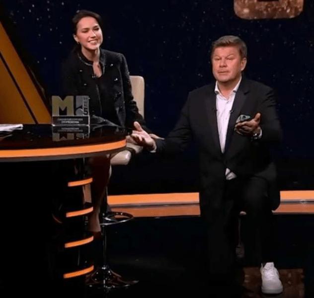 Видео: Губерниев преклонил колено перед Загитовой