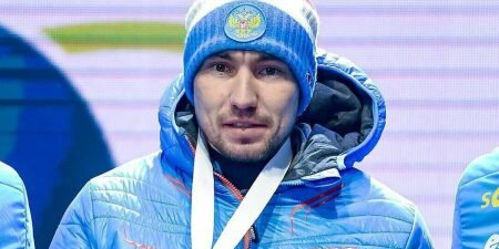 Логинов взял золото на этапе Кубка мира по биатлону