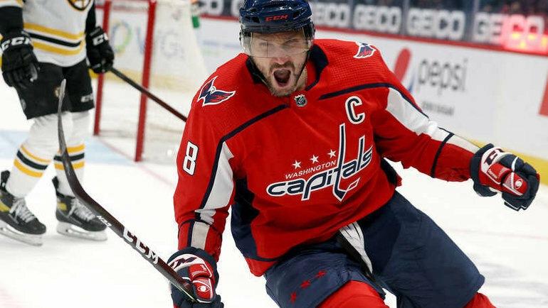 """Овечкин забил 708-ю шайбу,победную в игре с """"Бостоном"""", и сравнялся с легендарным Майклом Гартнером по голам в НХЛ"""