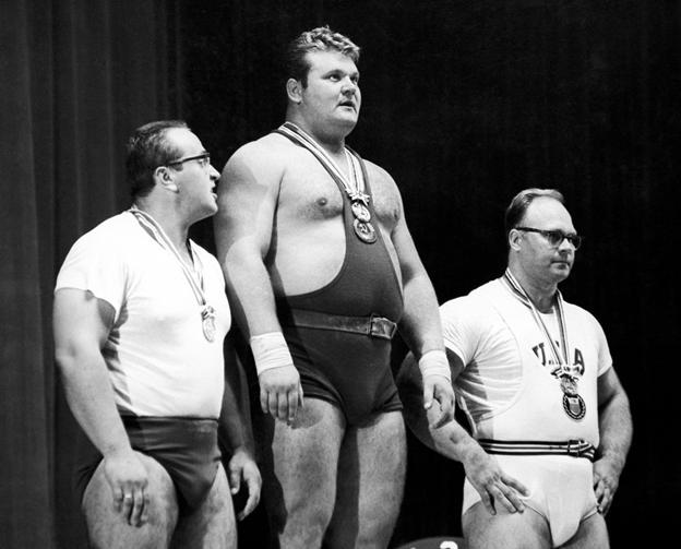 Памяти Юрия Власова. В Москве скончался легендарный тяжелоатлет, первый советский олимпийский чемпион в супер тяжелом весе.