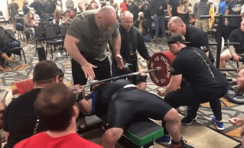 Жим штанги 505 кг лежа: комментирую новые безумные мировые рекорды