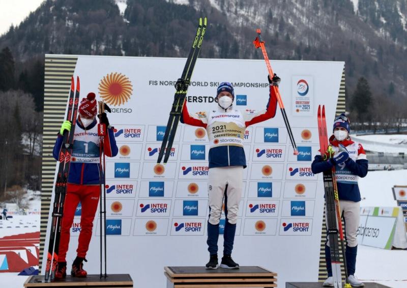 Большунову нужно научиться проигрывать, норвежцу стоило отдать русскому золотую медаль