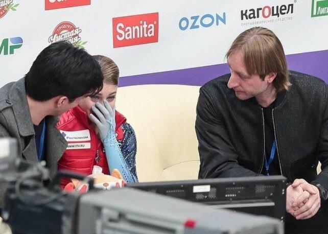 «Чуть позже, чуть позже»: Плющенко на фоне поражения Косторной в КП анонсировал четверной на Олимпиаде – очередной фарс
