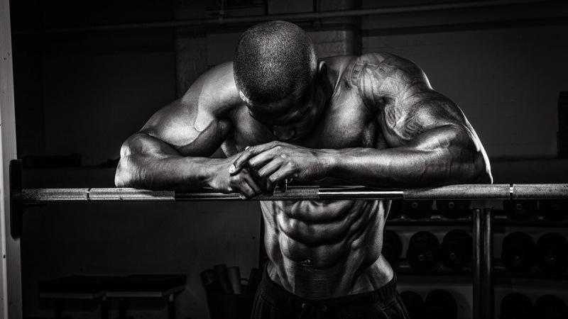 Рассказываю, как добиться мышечного роста в 1% от массы тела ежемесячно