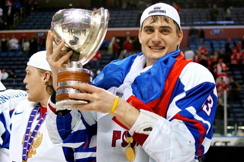 Мичков забросил первую шайбу в КХЛ. Ему 16, но были те кто сделал это раньше. Вспоминаем как сложилась их карьера.