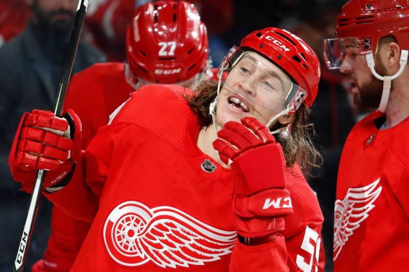 Несколько игроков НХЛ отказываются прививаться. Чем это грозит им в новом сезоне.