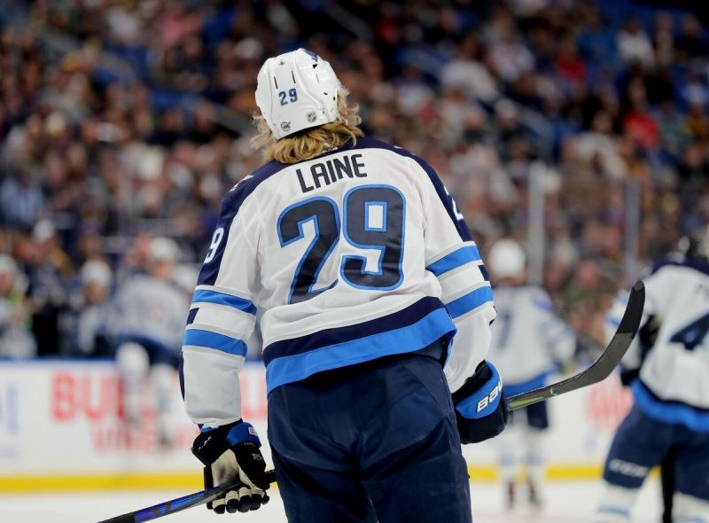 Самые странные решения руководителей команд НХЛ в это межсезонье.
